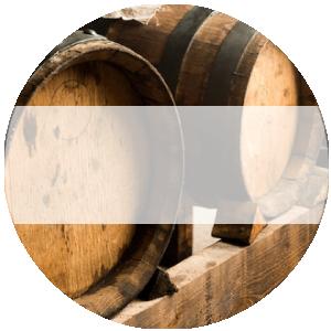 Aceto di vino rosso e bianco invecchiato
